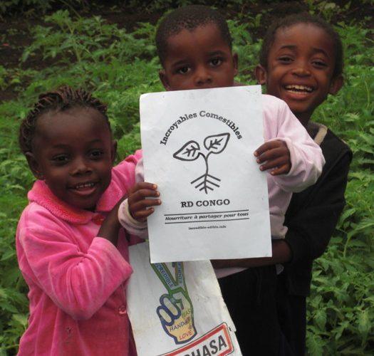Des jeunes membres de l'association Les Incroyables Comestibles RDC